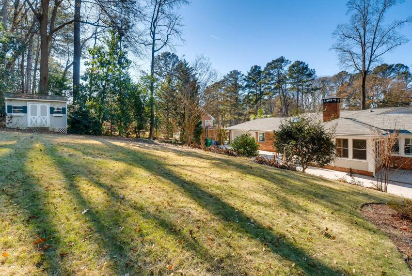2103 Continental Drive Atlanta-large-042-40-Back Yard-1499x1000-72dpi