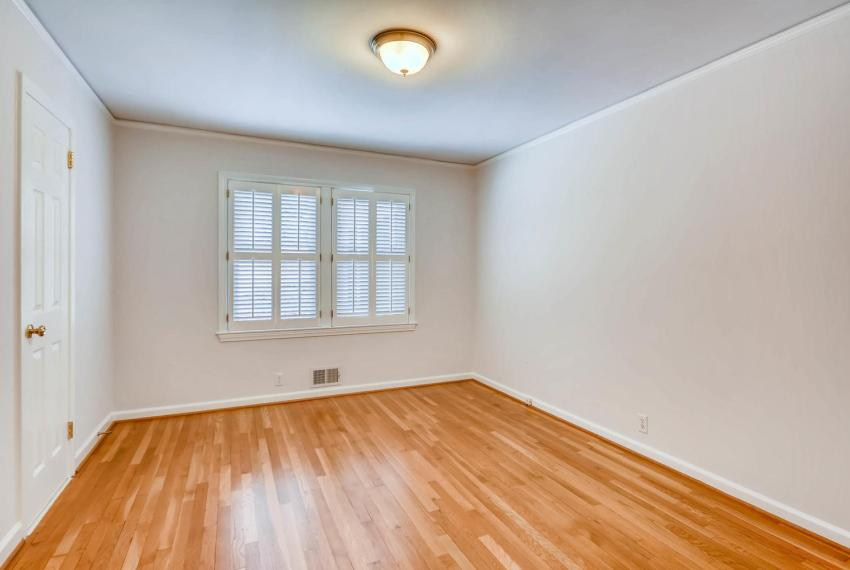2103 Continental Drive NE-large-023-27-Bedroom-1499x1000-72dpi