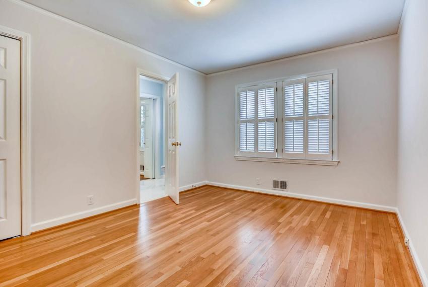 2103 Continental Drive NE-large-024-26-Bedroom-1499x1000-72dpi