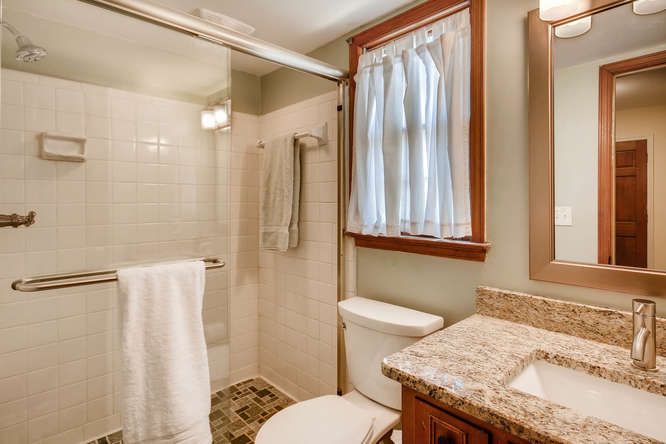 2548 Midvale Forest Drive-small-018-14-Bathroom-666x445-72dpi