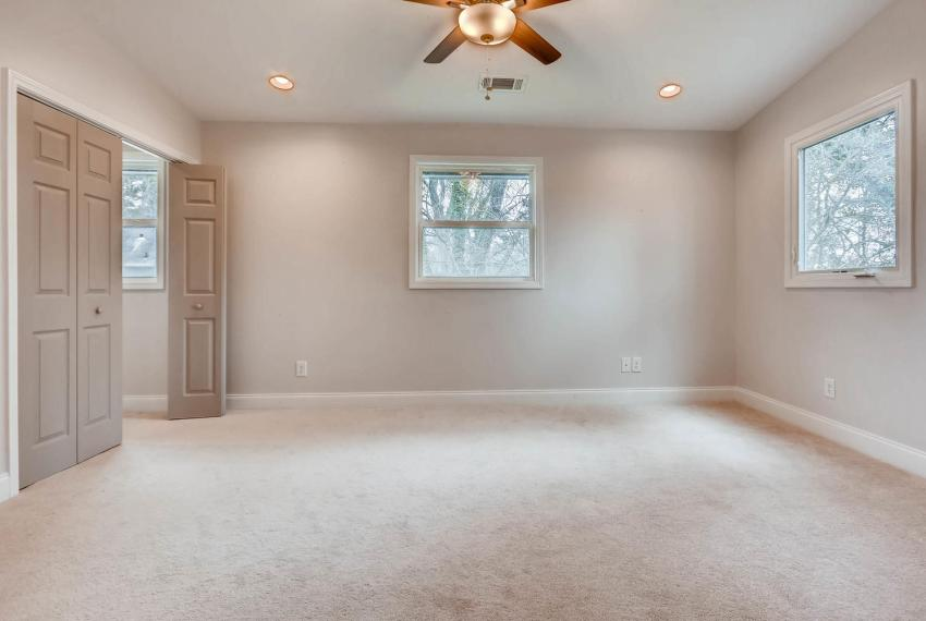 2991 Marlin Drive Atlanta GA-large-020-27-2nd Floor Master Bedroom-1499x1000-72dpi
