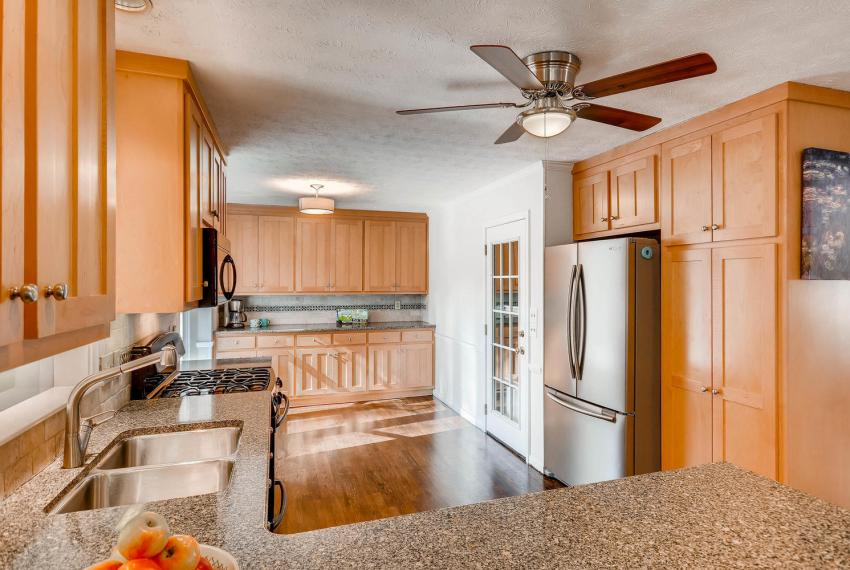 3075 Greenbrook Way NE Atlanta-large-013-33-Kitchen-1499x1000-72dpi