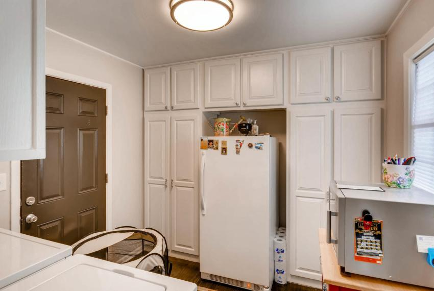 2048 Zelda Dr NE Atlanta GA-large-032-32-Laundry Room-1499x1000-72dpi