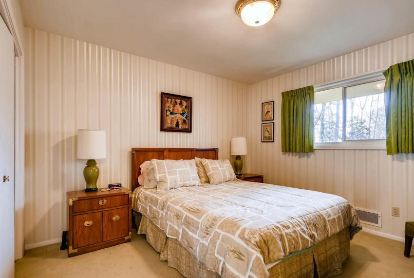 2072 Castleway Drive Atlanta-large-023-25-Bedroom-1499x1000-72dpi