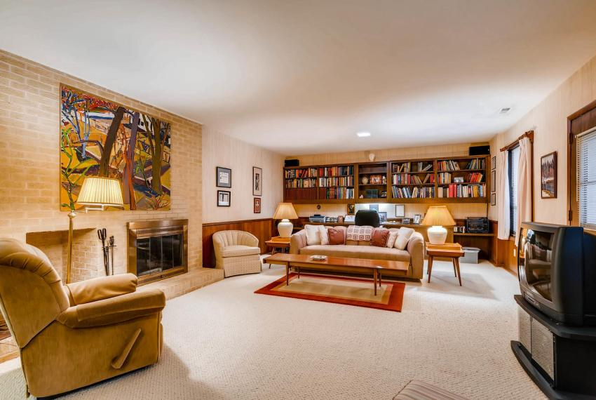 2072 Castleway Drive Atlanta-large-027-43-Lower Level Family Room-1499x1000-72dpi