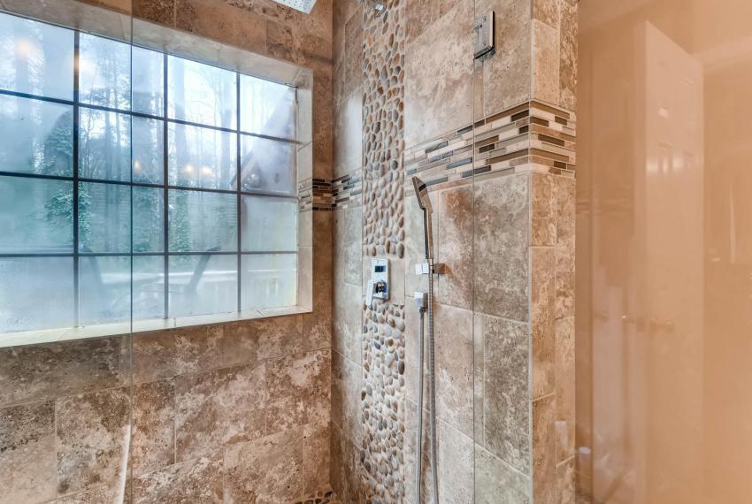 2417 Empire Forest Dr Tucker-large-015-20-Master Bathroom-1499x1000-72dpi