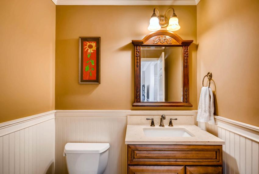 821 Lakeglen Drive Suwanee GA-large-019-4-Powder Room-1499x1000-72dpi
