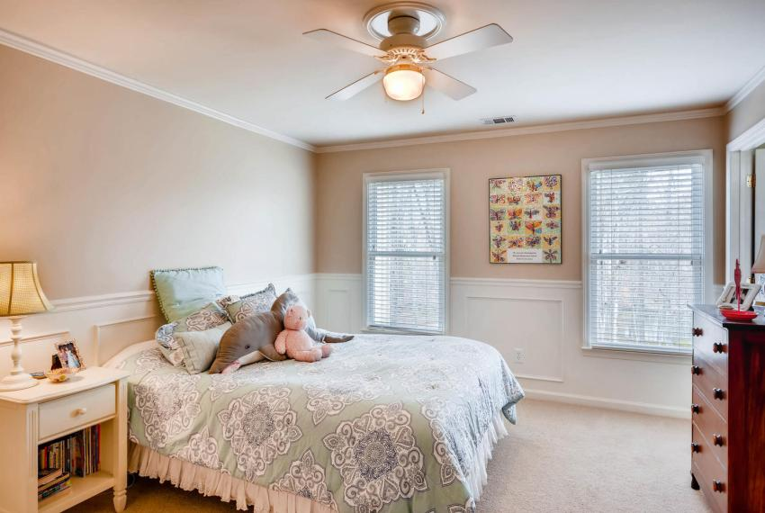 821 Lakeglen Drive Suwanee GA-large-025-21-2nd Floor Bedroom-1499x1000-72dpi