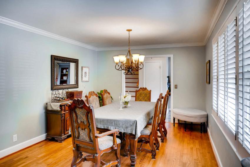 2895 Evans Woods Drive Atlanta-large-009-3-Dining Room-1500x1000-72dpi