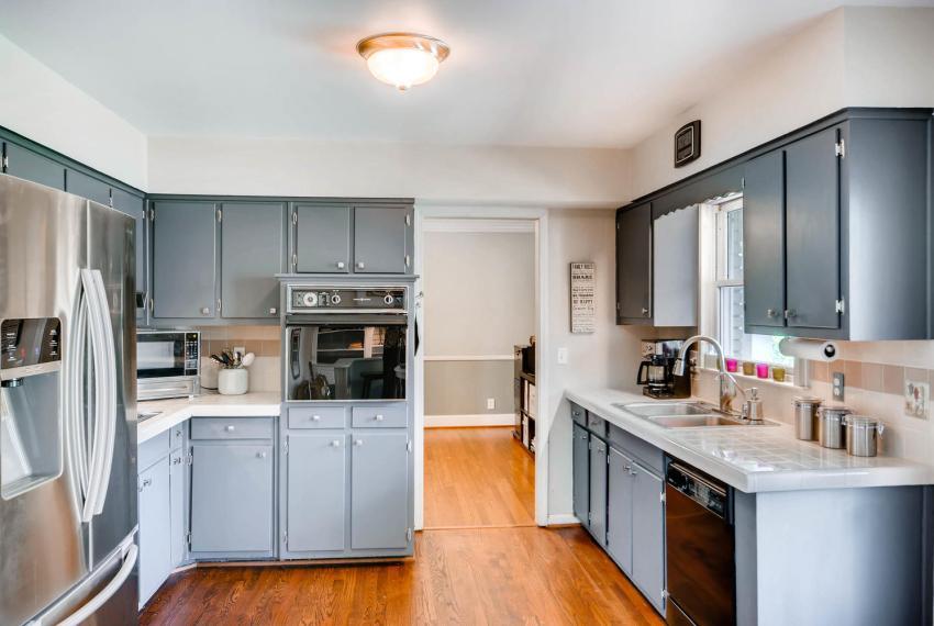 2895 Evans Woods Drive Atlanta-large-019-17-Kitchen-1500x1000-72dpi