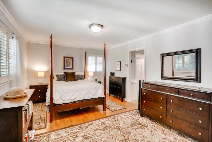 2895 Evans Woods Drive Atlanta-large-024-8-2nd Floor Master Bedroom-1499x1000-72dpi