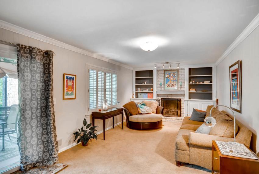 2895 Evans Woods Drive Atlanta-large-028-28-Lower Level Family Room-1499x1000-72dpi