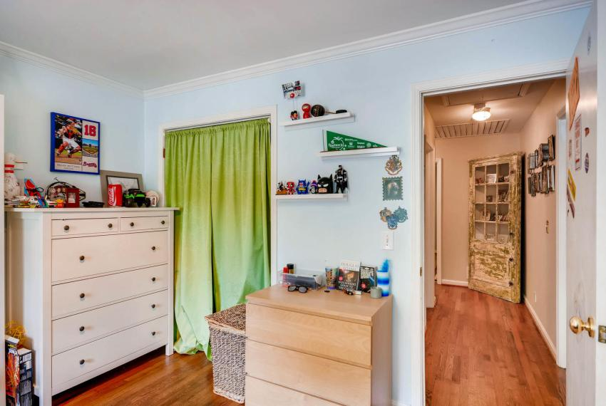 2895 Evans Woods Drive Atlanta-large-031-33-2nd Floor Bedroom-1499x1000-72dpi