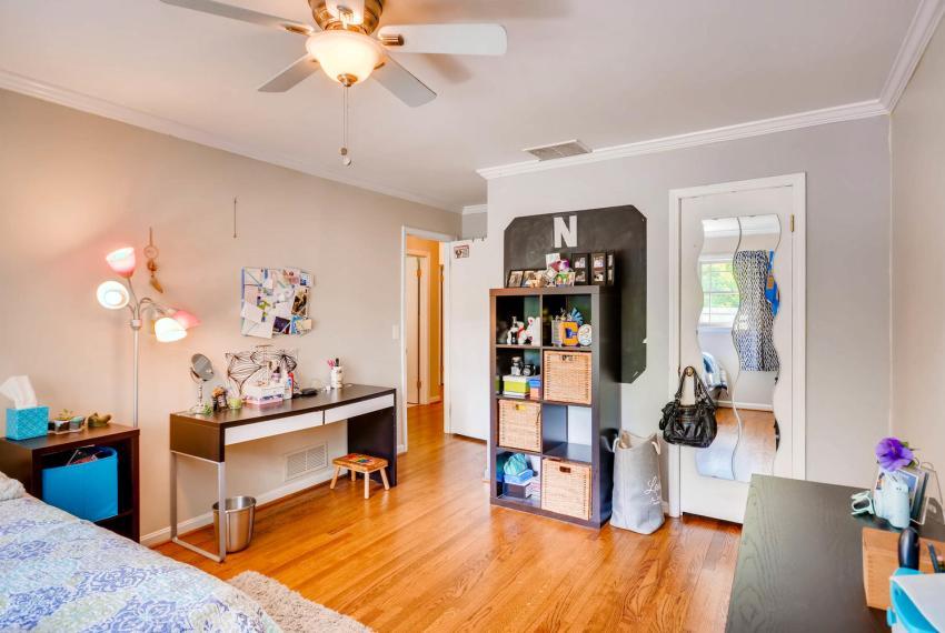2895 Evans Woods Drive Atlanta-large-034-32-2nd Floor Bedroom-1499x1000-72dpi
