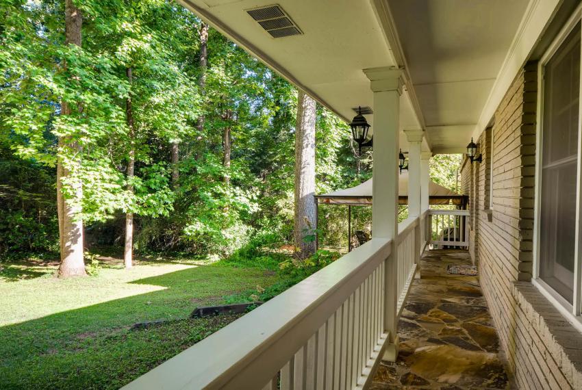 2895 Evans Woods Drive Atlanta-large-044-52-Back Porch-1499x1000-72dpi