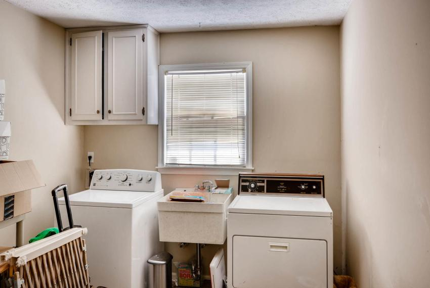 3961 Briaridge Circle Atlanta-large-037-25-Laundry Room-1499x1000-72dpi