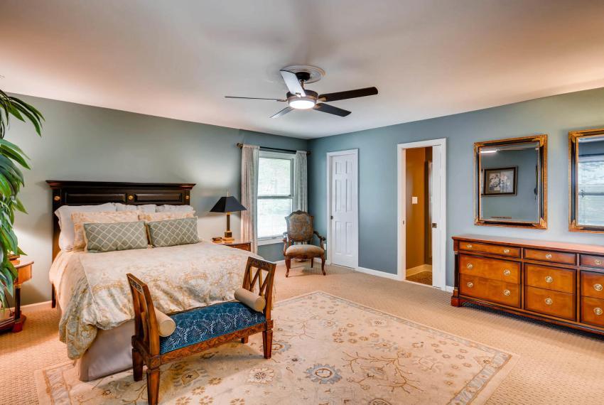 3982 Northlake Creek Ct Tucker-large-019-21-Master Bedroom-1499x1000-72dpi