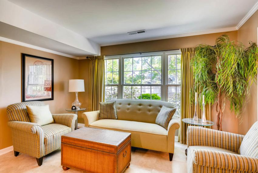 3982 Northlake Creek Ct Tucker-large-031-19-Lower Level Living Room-1500x1000-72dpi