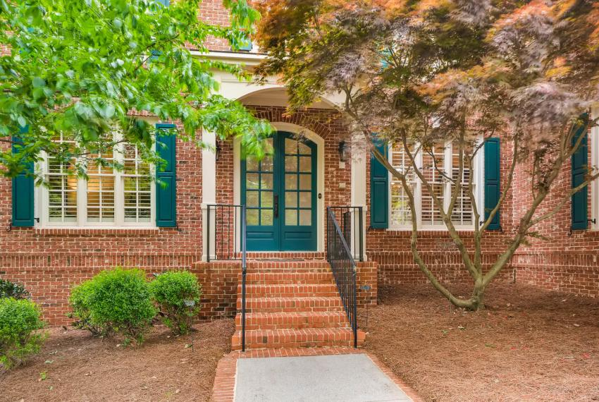 4477 Briarcliff Rd NE Atlanta-large-004-43-Exterior Front Entry-1499x1000-72dpi