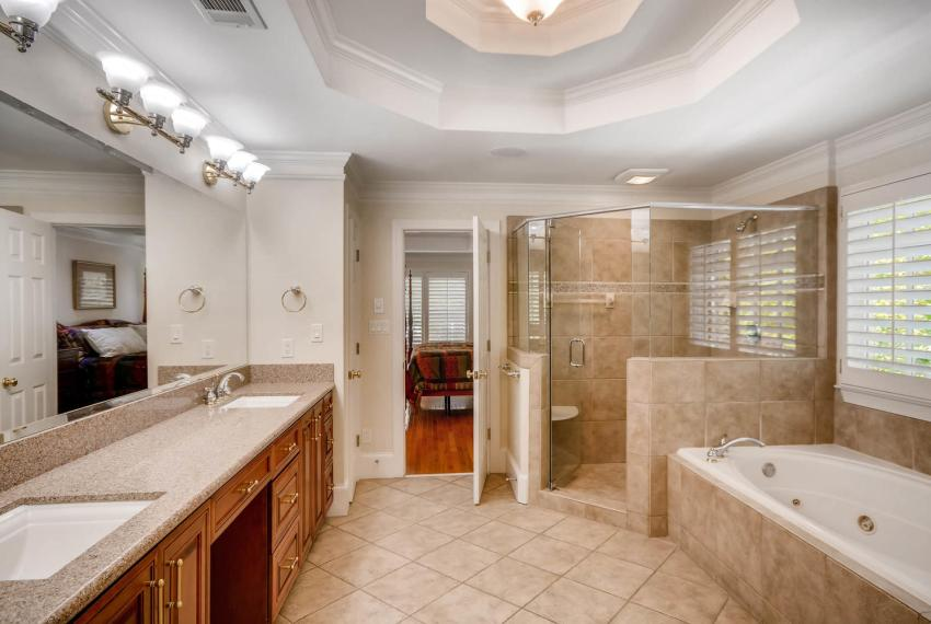 4477 Briarcliff Rd NE Atlanta-large-021-32-2nd Floor Master Bathroom-1499x1000-72dpi
