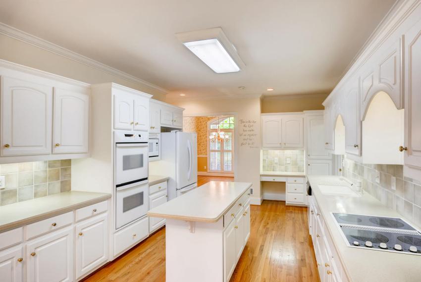 2514 Henderson Road Tucker GA-large-011-40-Kitchen-1499x1000-72dpi