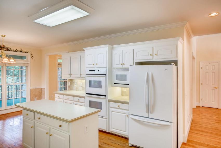 2514 Henderson Road Tucker GA-large-014-5-Kitchen-1499x1000-72dpi
