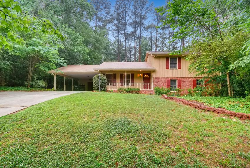 2794 Greenrock Trail Atlanta-large-001-8-Exterior Front-1500x1000-72dpi