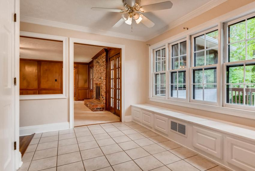 3592 Coldwater Canyon Ct-large-013-14-Breakfast Area-1499x1000-72dpi