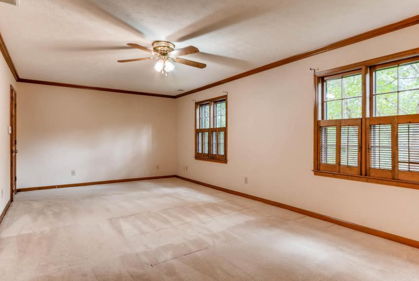 3592 Coldwater Canyon Ct-large-016-24-2nd Floor Master Bedroom-1499x1000-72dpi