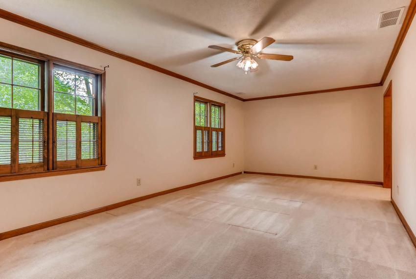 3592 Coldwater Canyon Ct-large-017-23-2nd Floor Master Bedroom-1499x1000-72dpi
