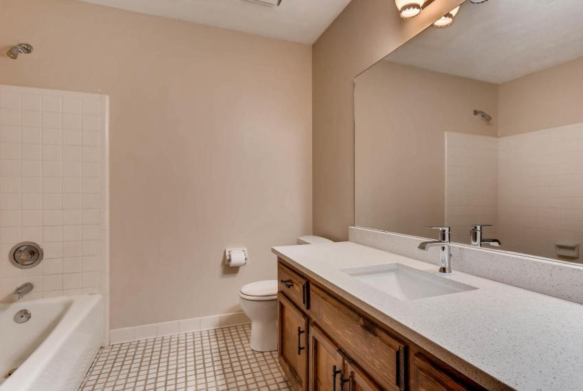 3592 Coldwater Canyon Ct-large-023-13-2nd Floor Bathroom-1499x1000-72dpi