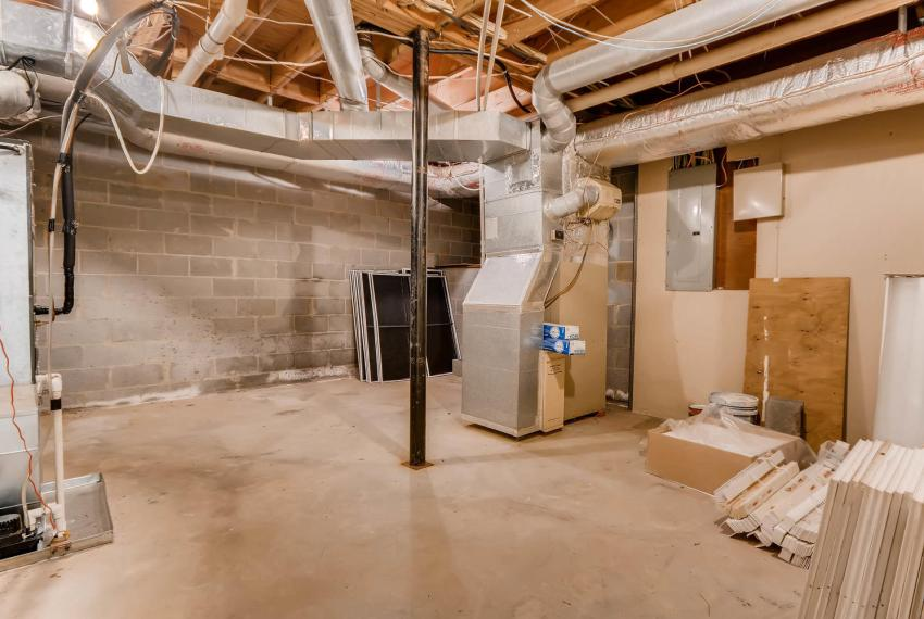 3592 Coldwater Canyon Ct-large-036-33-Lower Level Storage-1499x1000-72dpi