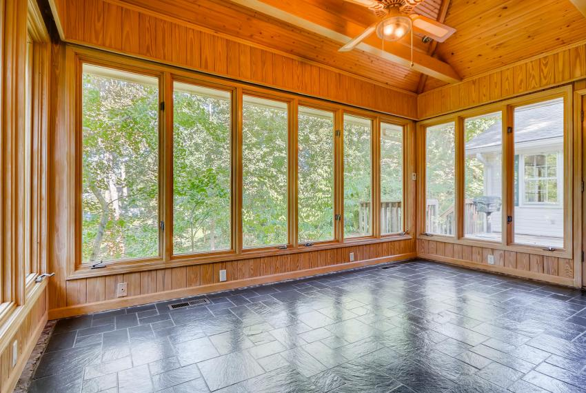 2624 Varner Drive Atlanta GA-large-033-34-Sunroom-1499x1000-72dpi