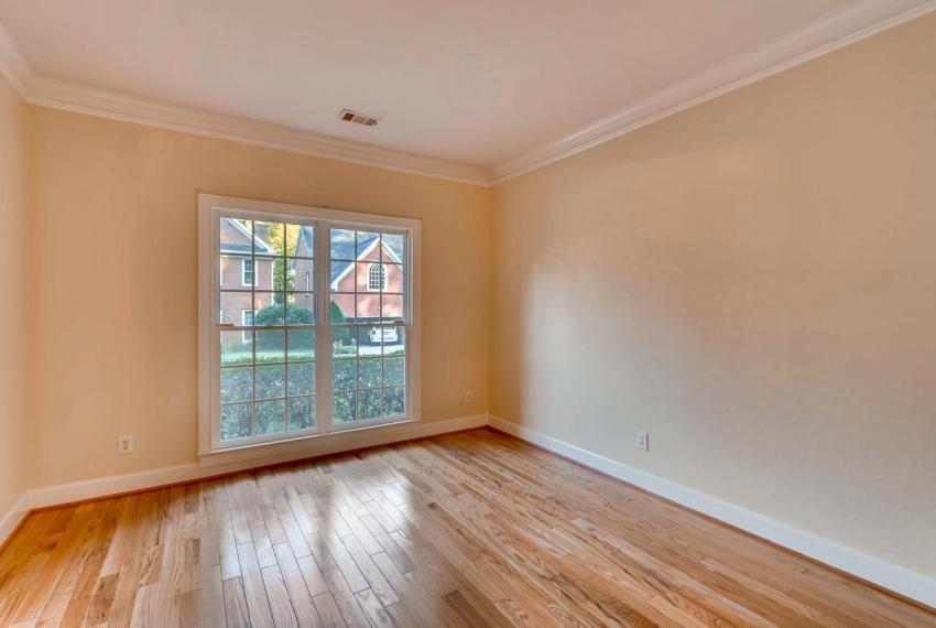 3131 Kings Arm Atlanta GA-large-006-4-Living Room-1500x1000-72dpi