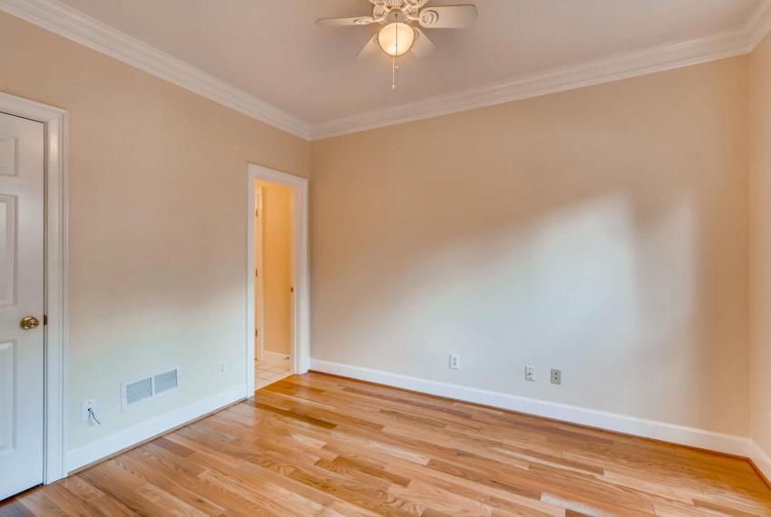 3131 Kings Arm Atlanta GA-large-023-37-Bedroom-1500x1000-72dpi