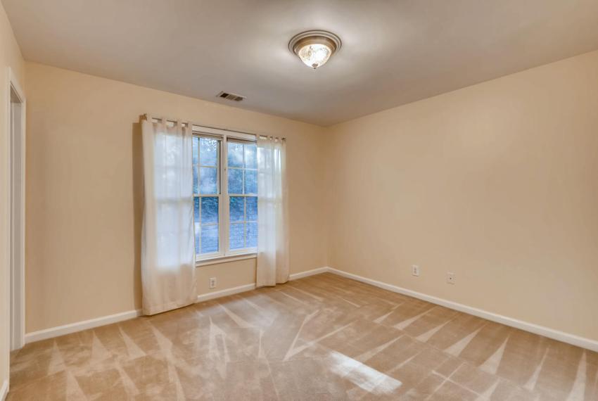 3131 Kings Arm Atlanta GA-large-036-30-2nd Floor Bedroom-1500x1000-72dpi