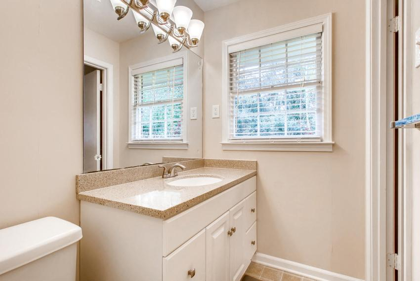3935 Roman Court Tucker GA-large-029-7-Master Bathroom-1500x1000-72dpi