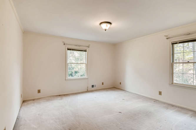 2263 Shasta Way NE Atlanta GA-small-027-25-2nd Floor Bedroom-666x444-72dpi