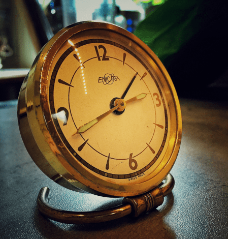 Beautiful fifties (forties?) alarm clock