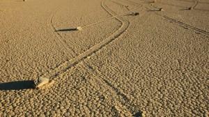 Záhada plujících kamenů v Kalifornii konečně rozluštěna?