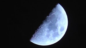 Podivný úkaz na Měsíci: Středověcí mniši sledovali neuvěřitelně vzácnou událost!