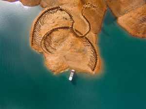 Rybáře u Nového Skotska děsí had s tlamou plnou tesáků