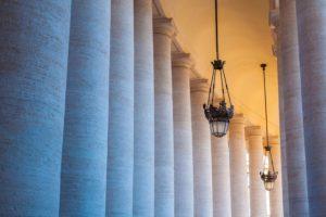 Temná tajemství Vatikánu: Vraždy a tajný archiv