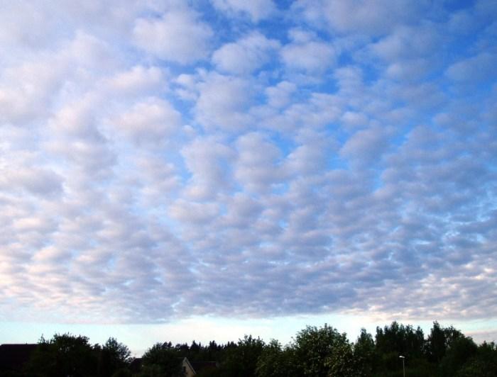 Bentuk awan surokumulus