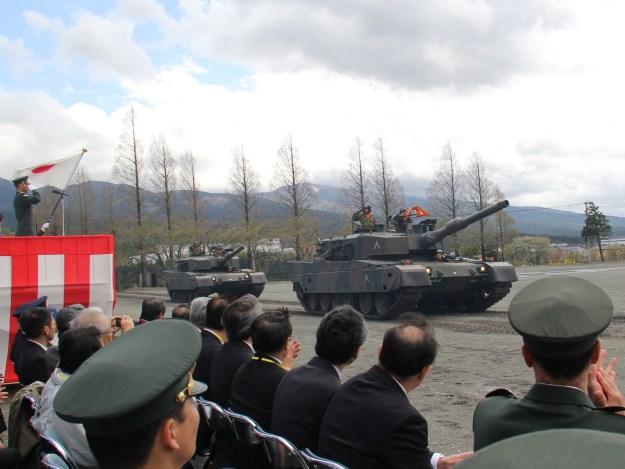第54回駒門駐屯地祭 90式戦車 パレード