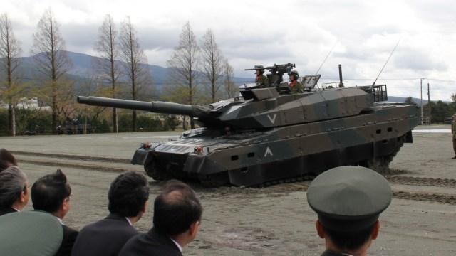 10式戦車 ヒトマル お辞儀 第54回駒門駐屯地祭
