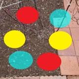 追肥用の穴を掘る場所を確認(マークあり)