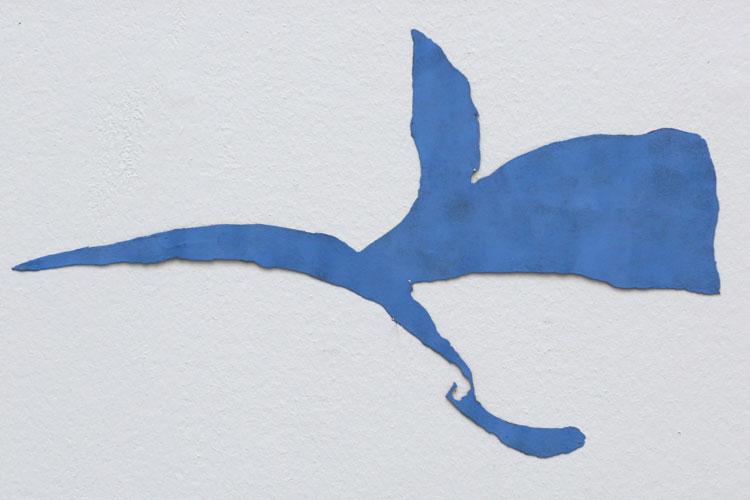 """""""Flykt"""", 2001, etsat fiberstål + akryl, konstverk av Curt Asker."""