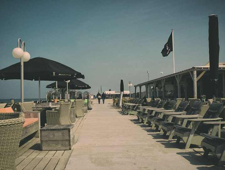 STRANDTENTEN: BEACH BARS & TAKE AWAY