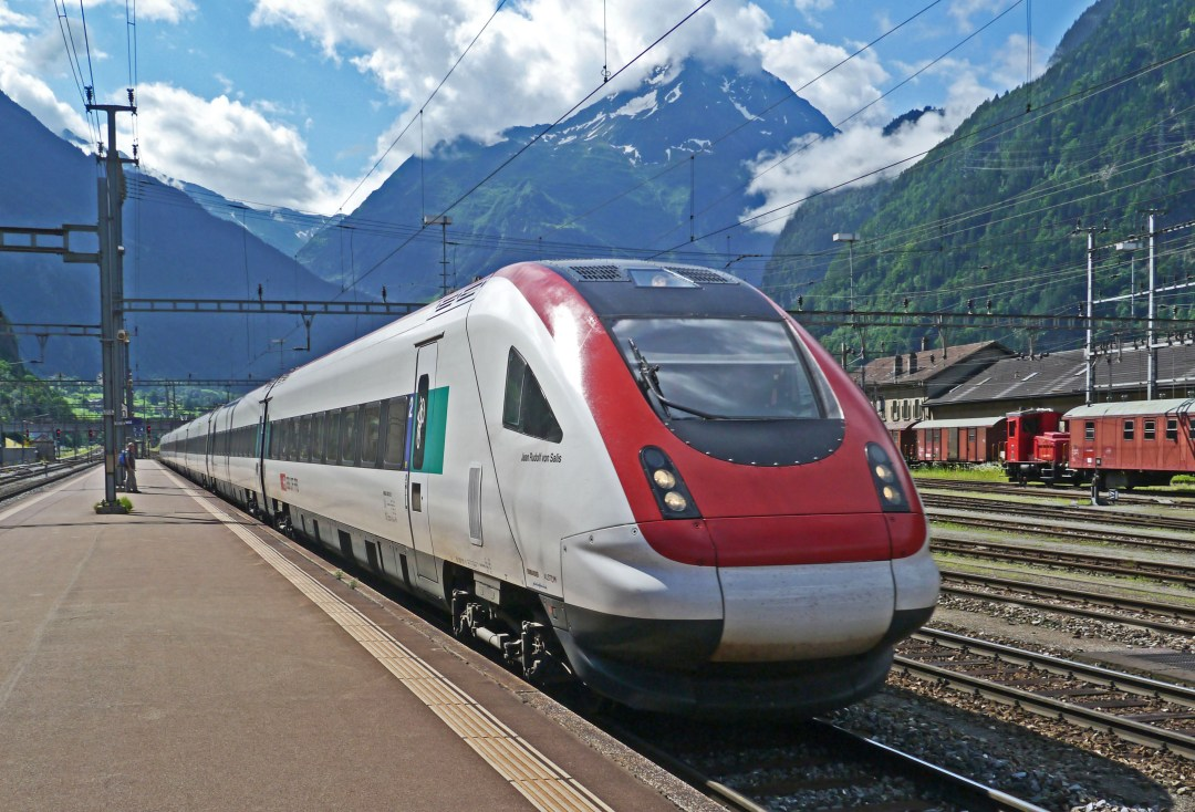 train travel delay How To Cope With Unexpected Travel Emergencies